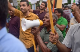 Resort workers voicing their demands in a protest. PHOTO: HUSSAIN WAHEED/ MIHAARU