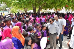 President Yameen greets the residents of Haa Atoll Hoarafushi during a recent visit to the Atoll. PHOTO/PRESIDENT'S OFFICE