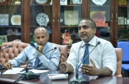 WAMCO's managing director Ibrahim Fuad (R) speaks during the parliamentary government oversight committee sit-down on Tuesday. MIHAARU PHOTO/NISHAN ALI