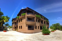 A guesthouse in Dhiffushi: The largest guesthouse in the country is being built in the island.