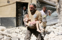Opposition-controlled parts of Syria's battered northern city Aleppo came under total siege, after government forces severed the last route out of the east. An estimated 300,000 civilians live in rebel-held neighbourhoods of Syria's second city, according to the United Nations, and there are fears that they could face starvation. / AFP PHOTO / THAER MOHAMMED