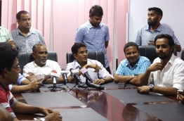 PPM council members loyal to president Yameen speaking to reporters after walking out of the council sit-down on Tuesday. MIHAARU PHOTO/MOHAMED SHARUHAAN