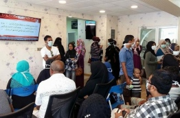 Patients milling in the flu clinic opened in IGMH. PHOTO/SOCIAL MEDIA