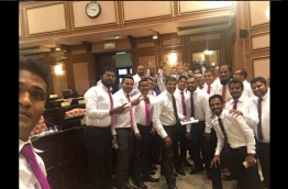 PPM PG leader Ahmed Nihan (L) takes celebratory selfie of PPM lawmakers after halting motion of no confidence against parliamentary speaker Abdulla Maseeh. PHOTO/TWITTER