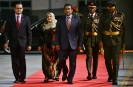 President Yameen (C) and First Lady Fathimath arrive at celebration of MNDF's 125th anniversary. PHOTO: HUSSAIN WAHEED/MIHAARU