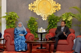 President Abdulla Yameen (R) and First Lady Fathmath Ibrahim (L) at the VIP lounge in Velana International Airport before he departed to the United Arab Emirates on Octover 16, 2017. PHOTO / PRESIDENT'S OFFICE