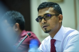 Finance minister Ahmed Munawar speaks at the parliamentary budget review committee. PHOTO: NISHAN ALI/MIHAARU