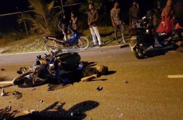 A crushed motorcycle after a crash in Fuvahmulah. PHOTO/SOCIAL MEDIA