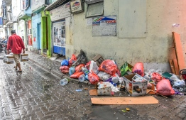 Large amounts of litter block sidewalks and fill street corners. PHOTO: MIHAARU