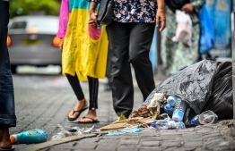 Garbage bags seen on Male' , some spilling onto the street. Pictured 17 May 2018.  PHOTO: MIHAARU