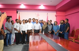 President Abdulla Yameen pictured with the new PPM members who officially joined the party on May 28, 2018. PHOTO: PPM