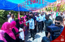 President Abdulla Yameen visits Sh. Bileffahi. PHOTO/PRESIDENT'S OFFICE