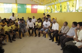 Opposition coalition's presidential candidate Ibrahim Mohamed Solih (Ibu) speaks with the people of R.Ungoofaaru during his presidential campaign trip. PHOTO/MDP