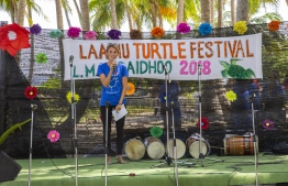 September 1, 2018, L. Maabaidhoo: A staff of Six Senses Laamu hosts the Laamu Turtle Festival 2018. PHOTO: HAWWA AMAANY ABDULLA / THE EDITION