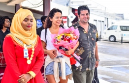 One-millionth tourist for 2018 arriving in Maldives. PHOTO: NISHAN ALI / MIHAARU