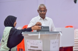 September 23, 2018: Opposition coalition's candidate Ibrahim Mohamed Solih casts his ballot during the Presidential Elections 2018. PHOTO/MIHAARU