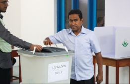 September 23, 2018: Ruling party PPM's candidate and incumbent President Abdulla Yameen Abdul Gayoom casts his ballot during the Presidential Elections 2018. PHOTO: HUSSAIN WAHEED/MIHAARU