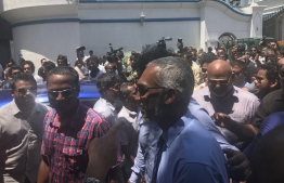 Housing Minister Dr. Mohamed Muizzu pictured in the crowd gathered in front of Supreme Court on October 14, 2018. PHOTO/MIHAARU