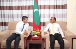 Addu City's Mayor Abdulla Sodiq (L) meets former President Mohamed Nasheed. PHOTO/MDP