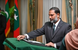Adhaalath Party's leader Imran Abdulla takes oath of office as the new Minister of Home Affairs. PHOTO/PRESIDENT'S OFFICE