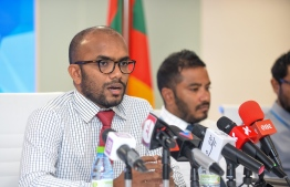Minister of Finance Ibrahim Ameer issuing a statement to press on December 3, 2018. PHOTO: NISHAN ALI/MIHAARU.