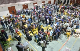 A polling station is filled with Maldivian Democratic Party members as voting proceeds for the party's parliamentary primaries. PHOTO: NISHAN ALI/MIHAARU