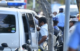 Former President Yameen being transported to Maafushi Prison. PHOTO: HUSSAIN WAHEED/ MIHAARU