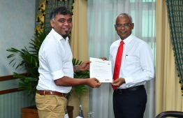 President Ibrahim Mohamed Solih (R) Secretary-General of the Maldives Olympic Committee (MOC) Ahmed Marzook (R)and PHOTO: PRESIDENT'S OFFICE