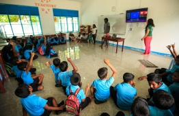 Stand Up For Our Seas Team conducting a presentation at Baa Atoll Maalhos School. PHOTO: JAMES APPLETON