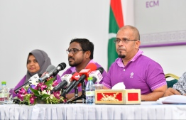Elections Commission's President Ahmed Shareef (R) speaks at the press conference regarding the Parliamentary Election to be held April 6, 2019. PHOTO: HUSSAIN WAHEED/MIHAARU