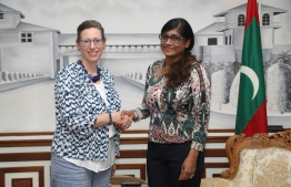 American Ambassador to the Maldives Alaina Teplitz (L) shaking hands with Minister of Defence Mariya Ahmed Didi. PHOTO: DEFENCE MINISTRY