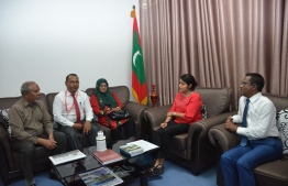 Minister of Arts, Culture and Heritage Yumna Maumoon meeting with top officials of Majeediyya School at the ministry. PHOTO: HERITAGE MIN