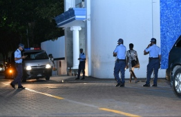 Police personnel outside Shaheed Hussain Adam Building. PHOTO: MIIHAARU