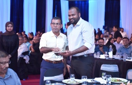 Speaker of Parliament Mohamed Nasheed (L) and former Minister of Tourism Ali Waheed. PHOTO: MIHAARU FILES