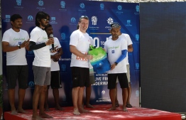 Treetop Group's Sustainability Director and Coordinating Director of Banyan Tree Global Foundation Dr Steve Newman along with Allied's Managing Director Shafaz Mohamed. PHOTO: ALLIED INSURANCE