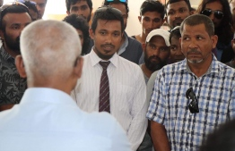 President Ibrahim Mohamed Solih meets with murder victim Mohamed Anas' family to comfort and extend support that the administration 'will do everything in its power' to bring swift justice for Anas. The meeting took place in Meedhoo island as part of the President's tour to Raa Atoll. PHOTO: MEEDHOO TIMES