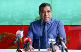 Mohamed Shareef, the former deputy CEO and COO of Bank of Maldives, speaks to the press. FILE PHOTO / MIHAARU