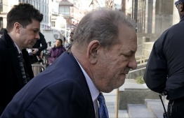 Harvey Weinstein arrives at the Manhattan Criminal Court, on February 24, 2020 in New York City. - The jury in Harvey Weinstein's rape trial hinted it was struggling to reach agreement on the most serious charge of predatory sexual assault as day four of deliberations ended February 21, 2020 without a verdict. The 12 jurors asked New York state Judge James Burke whether they could be hung on one or both of the top counts but unanimous on the three lesser counts. The disgraced movie mogul, 67, faces life in prison if the jury of seven men and five women convict him of a variety of sexual misconduct charges in New York. (Photo by TIMOTHY A. CLARY / AFP)