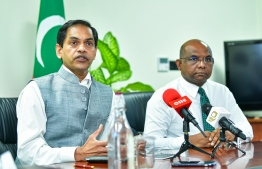Indian High Commissioner to Maldives Sanjay Sudhir (L) and Foreign Minister Abdulla Shahid speak to the press. FILE PHOTO: AHMED AWSHAN ILYAS / MIHAARU