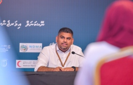 President's Office's Communications Undersecretary Mabrouq Abdul Azeez speaking at the daily press briefing on the effort against COVID-19. PHOTO: AHMED HAMDHOON/ MIHAARU