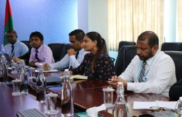 Minister of Education Dr Aishath Ali meets with Dhiraagu to discuss details of the internet package. PHOTO: DHIRAAGU