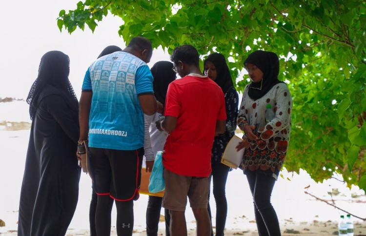 Participants of the survey collecting data and samples. PHOTO: NEYKURENDHOO COUNCIL
