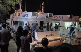 Police officers departing from Male' on speedboats to address the situation on Bodufinolhu, Baa Atoll. PHOTO: POLICE