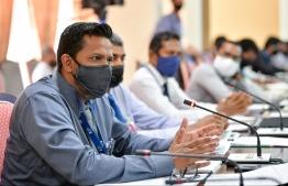 Auditor General Hassan Ziyath speaking during a parliamentary committee meeting. PHOTO:NISHAN ALI/ MIHAARU