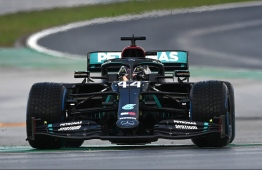 Mercedes' British driver Lewis Hamilton drives during the Turkish Formula One Grand Prix at the Intercity Istanbul Park circuit in Istanbul on November 15, 2020. (Photo by OZAN KOSE / POOL / AFP)