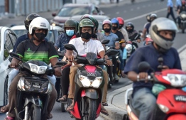 Traffic on the Sinamale bridge. PHOTO: NISHAN ALI/ MIHAARU