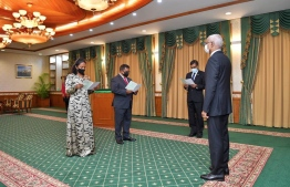 Dr. Hussain Rasheed Hassan and Aiminath Shauna taking their oaths in the President's Office -- Photo: President's Office