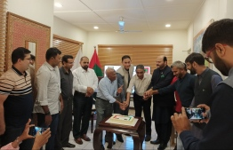 A cake being cut in the annual meeting of PFAM -- Photo: Pakistan High Commission